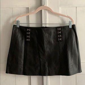 100% Genuine Leather Elegant Moments Mini Skirt-L